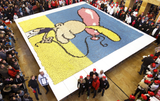 Le groupe Guilles Desplanches Mosaic of eclairs in Geneva